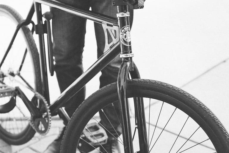 Fahrradpumpe an Rad