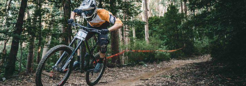 BMX Fahrer downhill Rennen